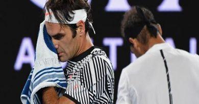 Federer gana pese al regreso brillante de Nadal